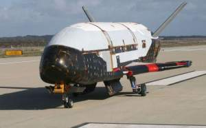 Top Secret: Avion misterios al NASA aterizează în Florida